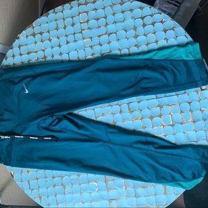 Nike turquoise leggings